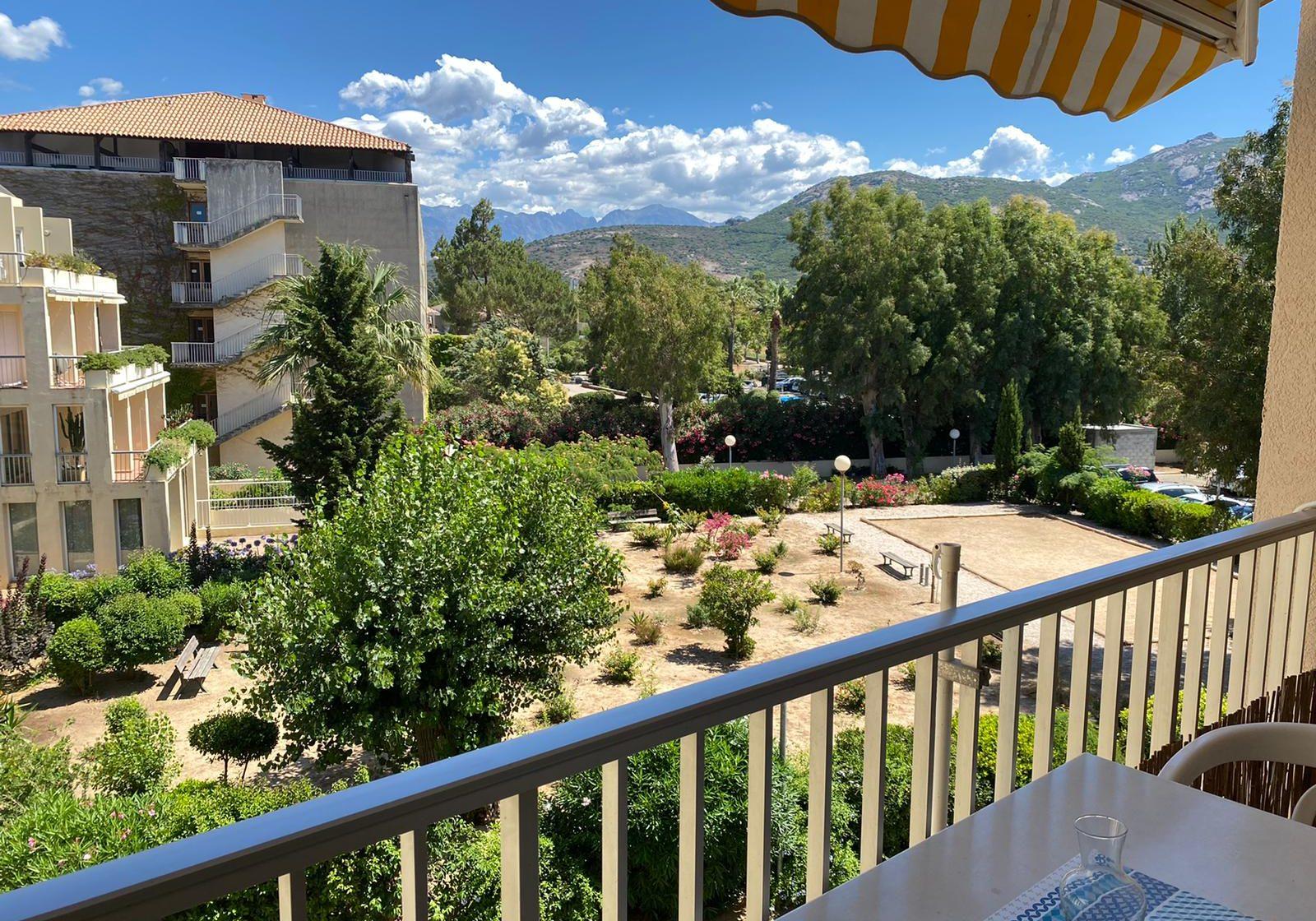 2210 - Blick vom Balkon
